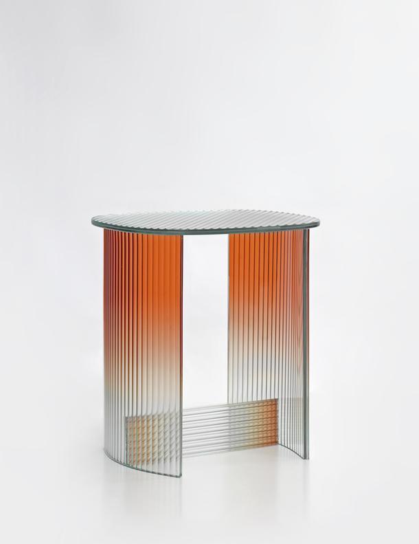 Приставной столик Fluted.