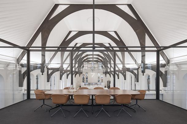 Новый офис Squillace Architects в здании бывшей церкви
