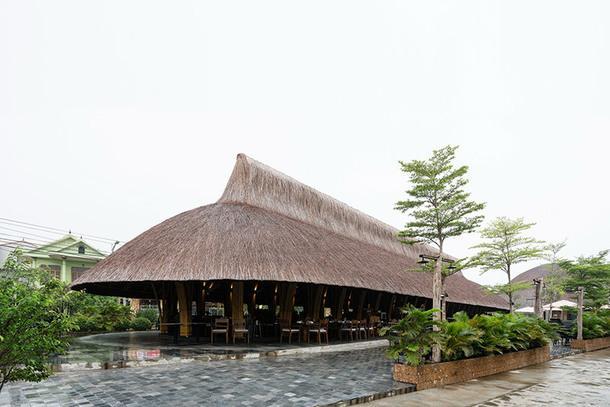 Ресторан из бамбука во Вьетнаме