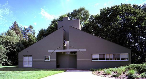 Vanna Venturi House, 1962–1964.