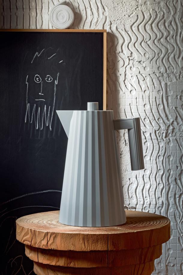 Скульптурный чайник от Alessi